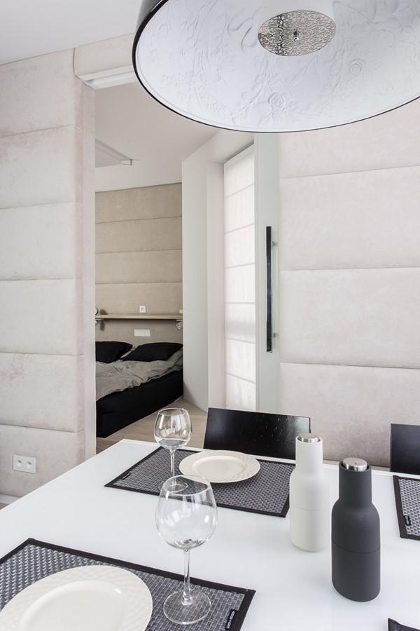 Tapicerowame ściany w nowoczesnym salonie