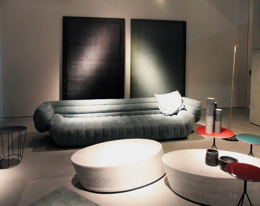 must have nowoczesnego living room'u - stoliki na cieniutkich nóżkach