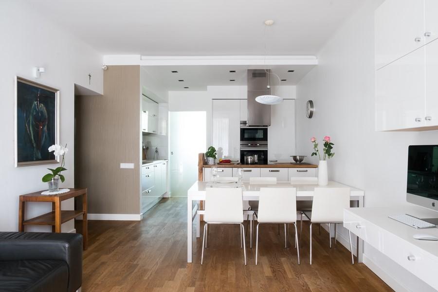 Aranżacja mieszkania w bieli styl nowoczesny