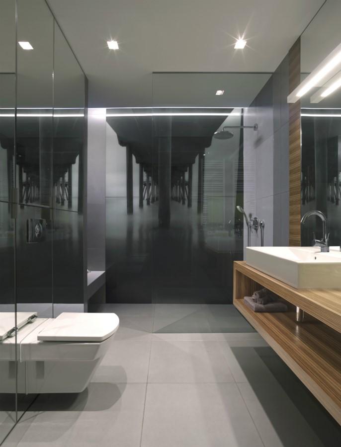 Aranżacja Szarej łazienki Z Przestronnym Prysznicem Inspiracja