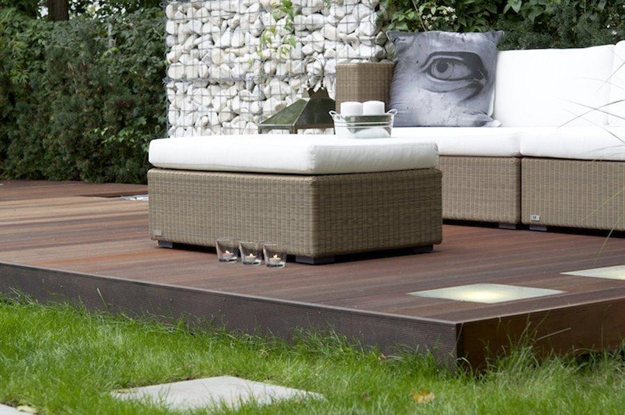 Nowoczesny taras w ogrodzie - Architektura, wnętrza, technologia, design - HomeSquare