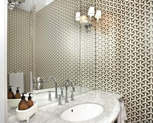 Klasyczna umywalka wykończona marmurem łązienka modern classic