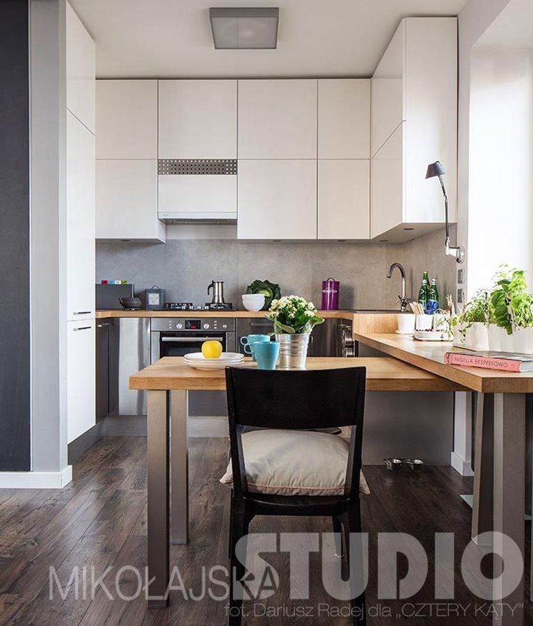 Salon z kuchnią w małym mieszkaniu  Architektura, wnętrza   # Funkcjonalna Kuchnia W Salonie