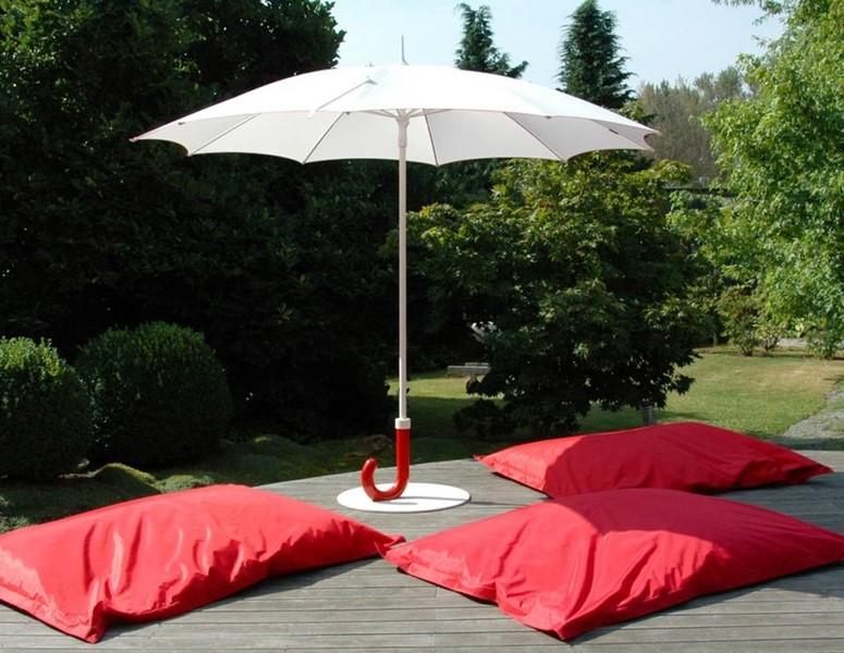 Parasol ogrodowy z zakrzywiioną rączką