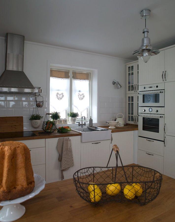 Prowansalska kuchnia z wyspą  Architektura, wnętrza   -> Kuchnia Prowansalska Z Wyspą