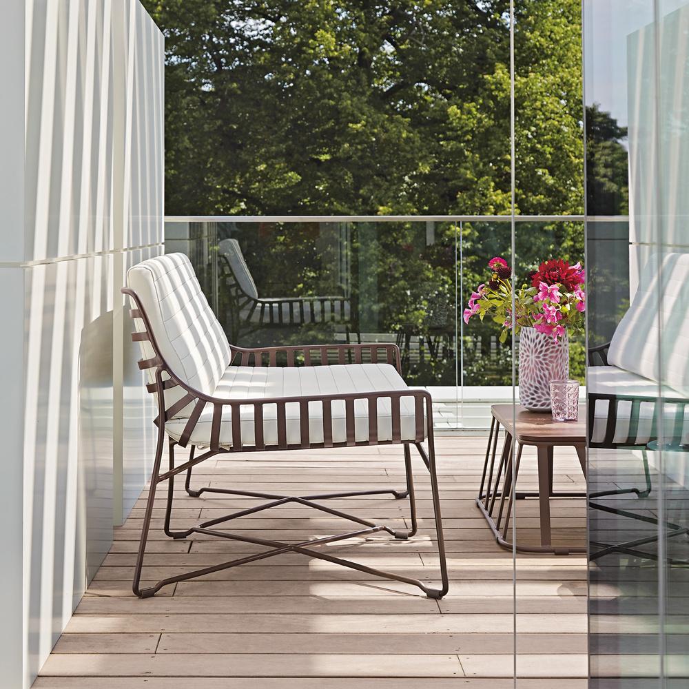 Metalowa ławka ogrodowa - wymarzony ogród meble i dekoracje ogrodowe