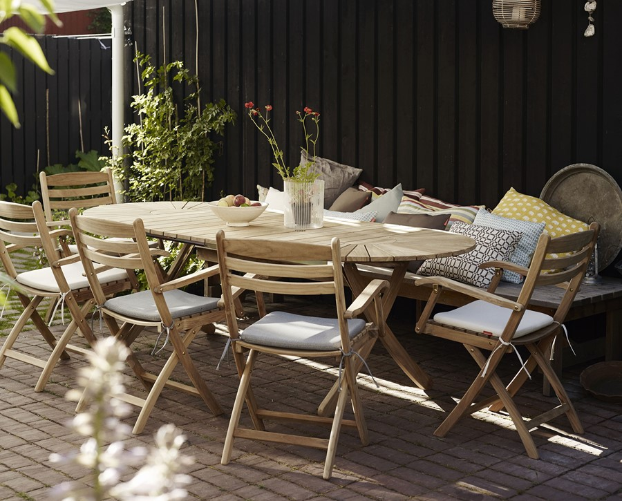 Drewniane meble ogrodowe - wymarzony ogród meble i dekoracje ogrodowe