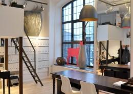Industrialne biuro w lofcie pomysł na wnętrze