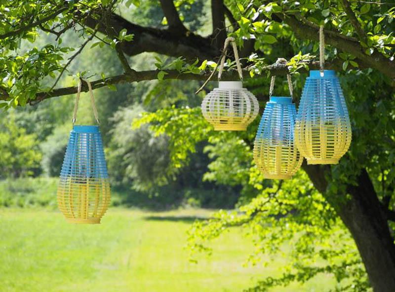 Kolorwe lampiony wiszące - dekoracje na taras