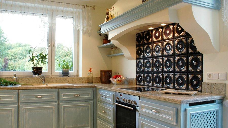 Prowansalska kuchnia z błękitnym akcentem  Architektura   -> Kuchnia W Prowansalskim Stylu