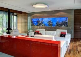 Morskie akwarium w salonie meble Wirchomski