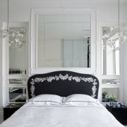 Lustro w sypialni Goszczdesign