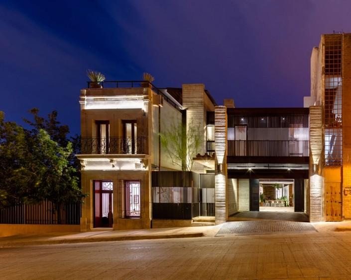 Nowoczesna kamienica w meksykańskim wydaniu LABorstudio House un 2nd Street