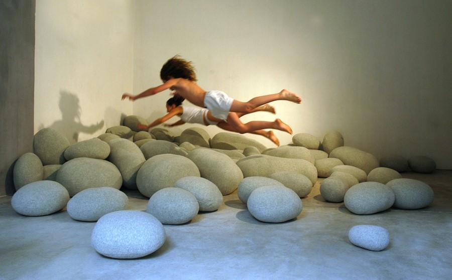 Poduszki Kamienie to zawsze pretekst do zabawy