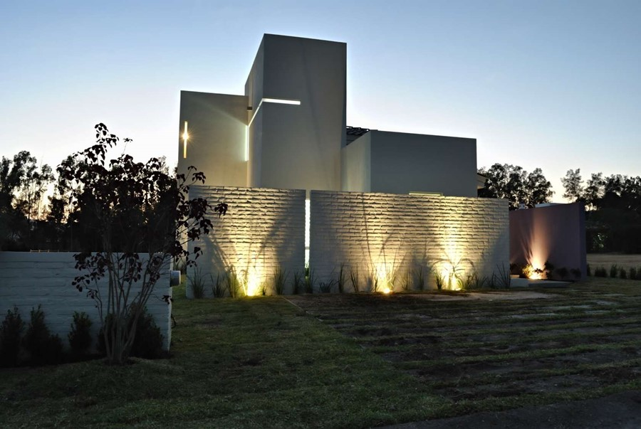 pomysł na dom wg. Cota Paredes studio