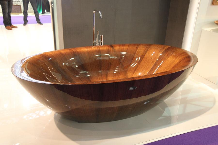 Drewniana wanna w nowoczesnym stylu Targi 100% Design