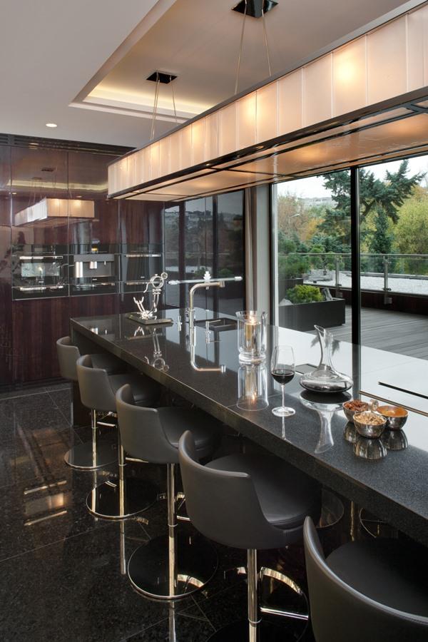 Duża kuchnia na wysoki połysk  Architektura, wnętrza   -> Kuchnia Wysoki Sufit