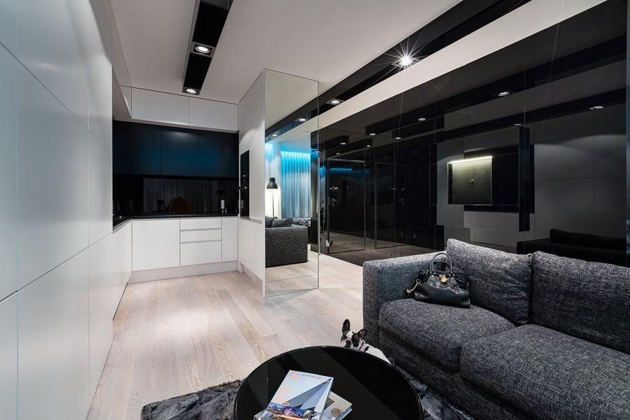 Mała otwarta kuchnia w mieszkaniu Muc & Scott Interiors