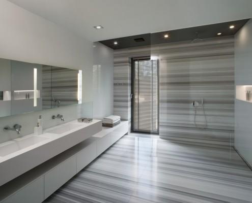 Przestronna łazienka dla dwojga EXITDESIGN