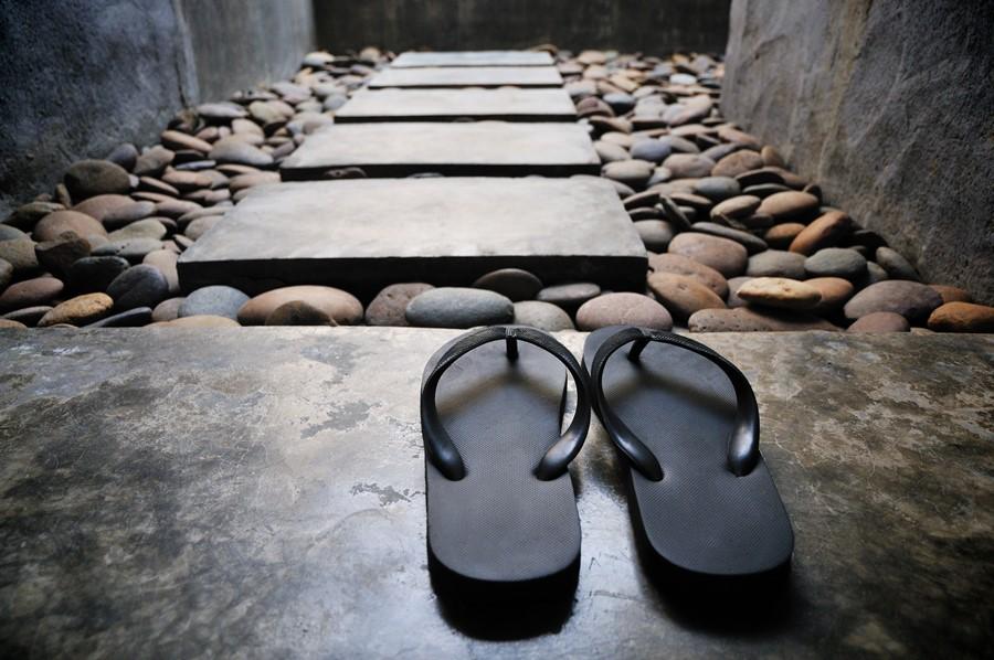 zabieg spa na kamiennym łożu pochodzi z Japonii