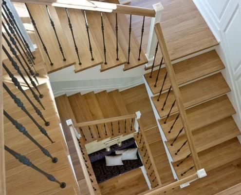 Tradycyjny przedpokój z klatką schodową BBhome