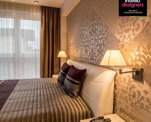 Wystrój jasnej sypialni Intellio designers