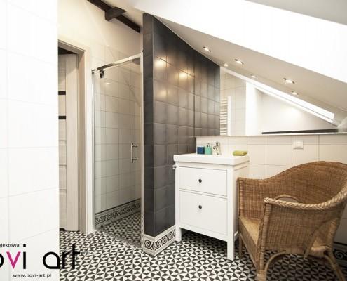 Łazienka na poddaszu z prysznicem Pracownia Novi Art