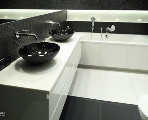 Czarno-biała łazienka dla dwojga Agnieszka Ludwinowska