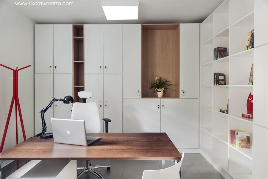 Domowe biuro w minimalistycznym wydaniu Sikora Wnętrza