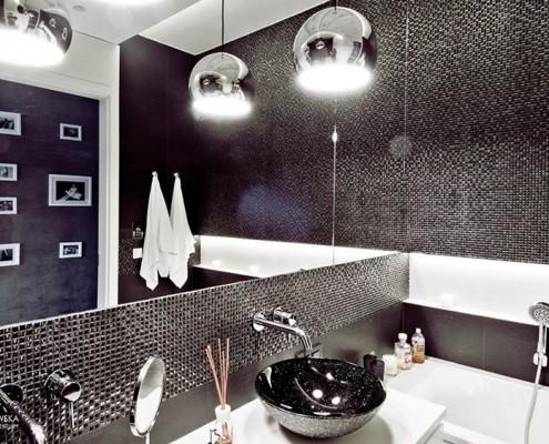 Drobna mozaika w łazience Agnieszka Ludwinowska