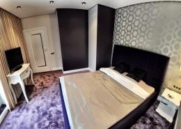 Fioletowa wykładzina w sypialni inspiracje i pomysły