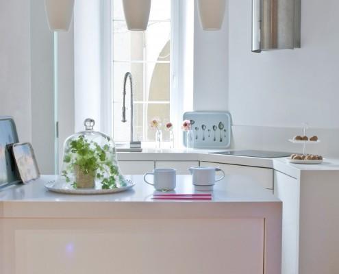 Pomysł na małą kuchnię w bieli porady