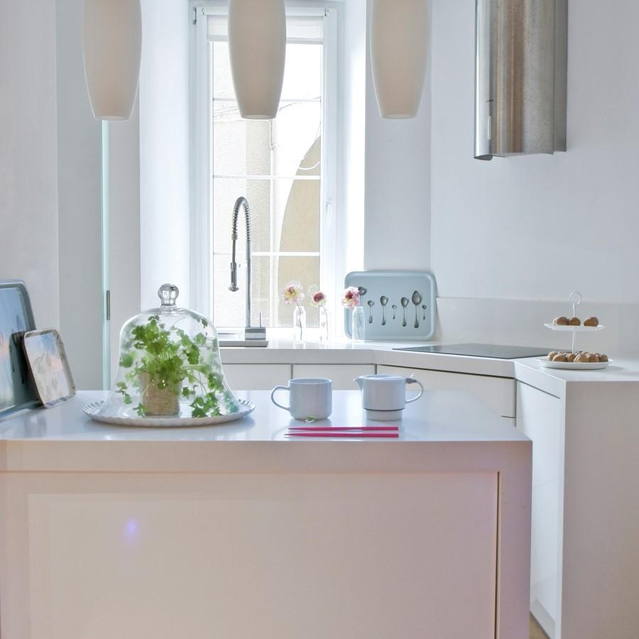 Otwarta kuchnia w bieli hola design homesquare - Pomys Na Ma Kuchni B Dzie Wygodnie I Przytulnie