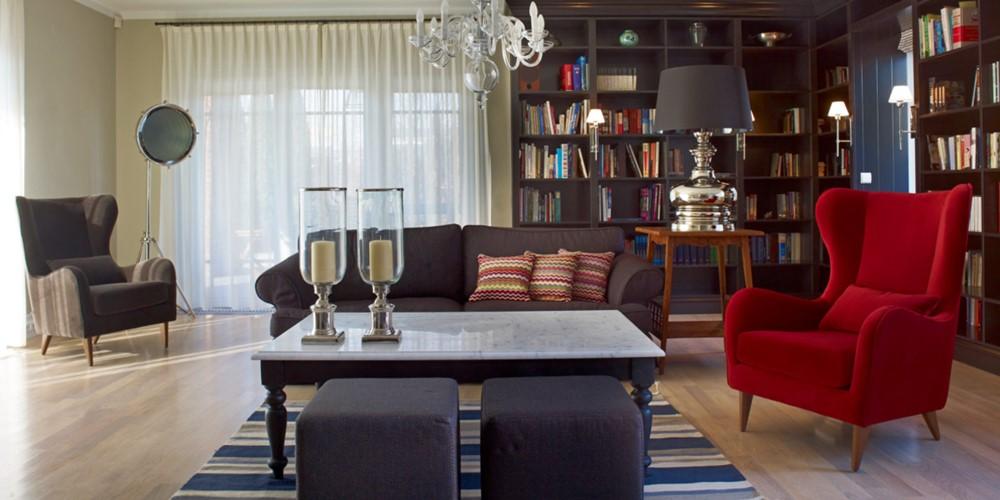 Klasyczne sofy w salonie
