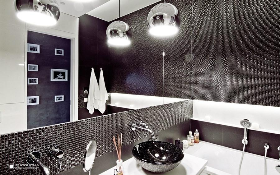 Piękna łazienka w czerni