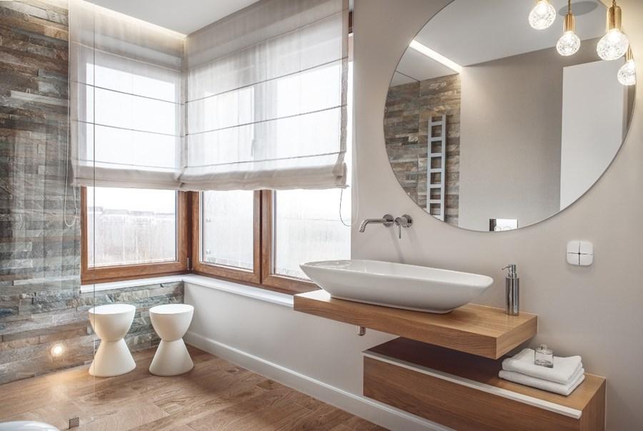 Piękna łazienka w drewnie