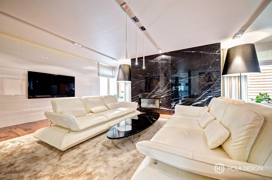 Duży salon w bieli inspiracje