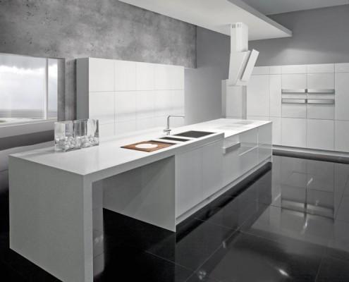 Industrialna kuchnia z białą zabudową Gorenje Ora Ito