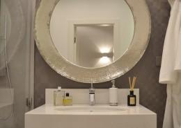 Nastrojowa łazienka w szarościach Agata Słoma