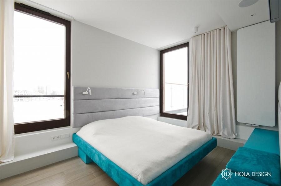 Piękna sypialnia z kolorowym akcentem aranżacja wnętrz