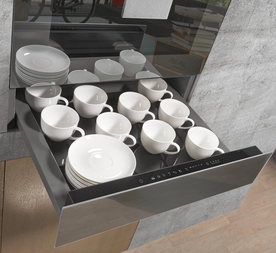 Linia Gorenje by Starck. Podgrzewana szuflada do naczyń i do potraw