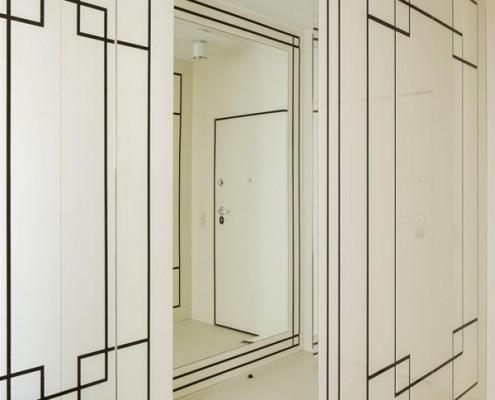 Geometryczne motywy art deco w przedpokoju Hola Design