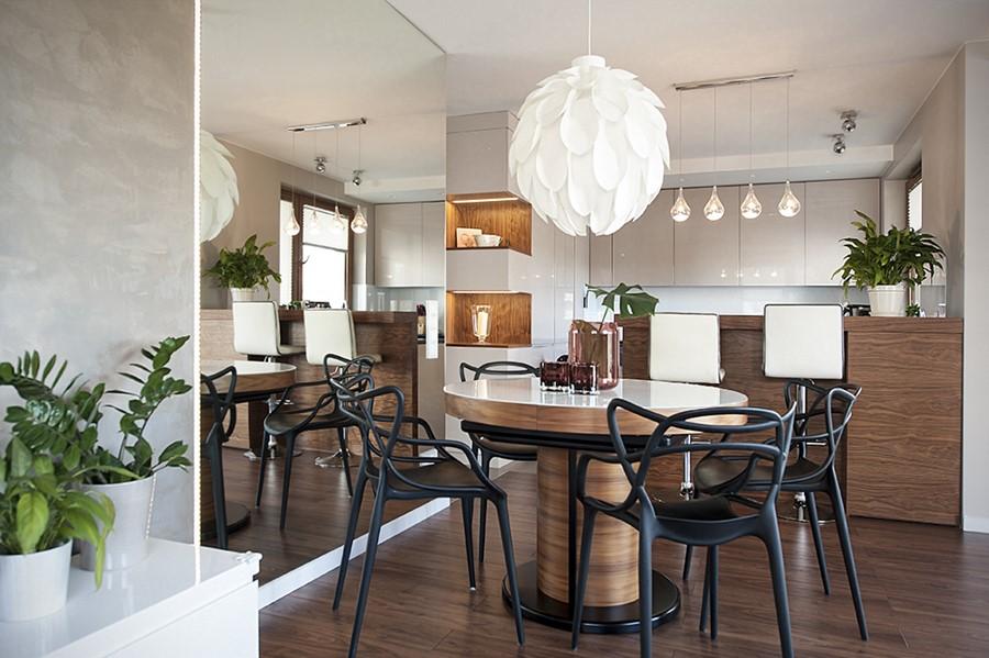 Jadalnia w salonie z okrągłym stołem jak urządzic