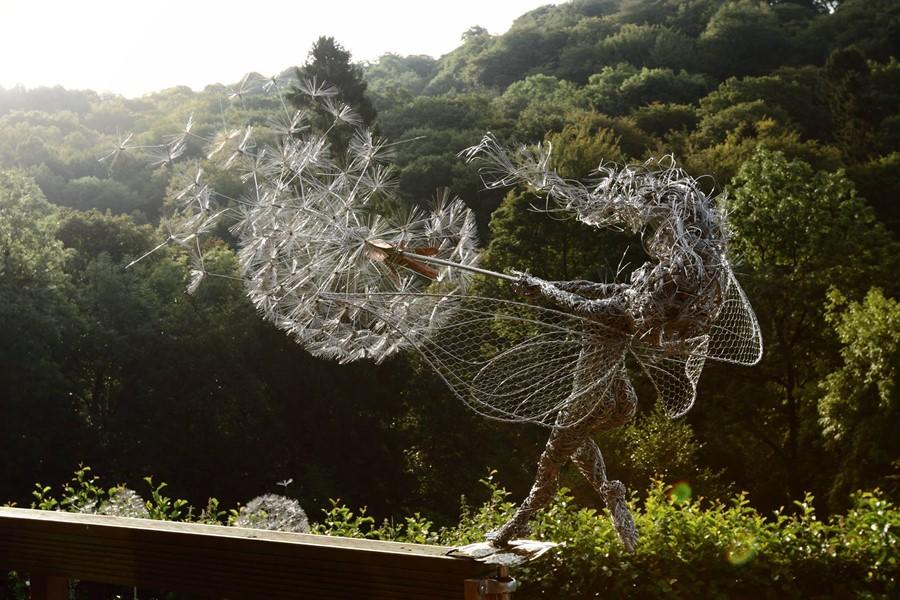 Oryginalna rzeźba na taras i do ogrodu