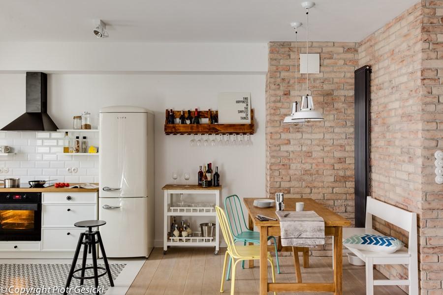 Otwarta kuchnia w stylu retro Loft Factory - eklektyczne wnętrza