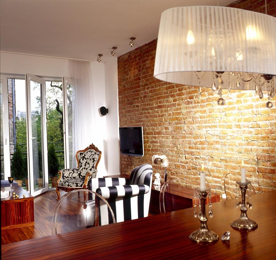 Ładne mieszkanie styl eklektyczny klasyka w domu