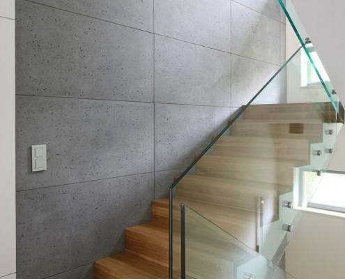 Beton zestawiony z drewnem i szkłem Living Home