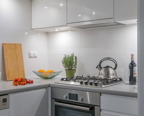 Białe meble kuchenne na wysoki połysk Jacek Tryc