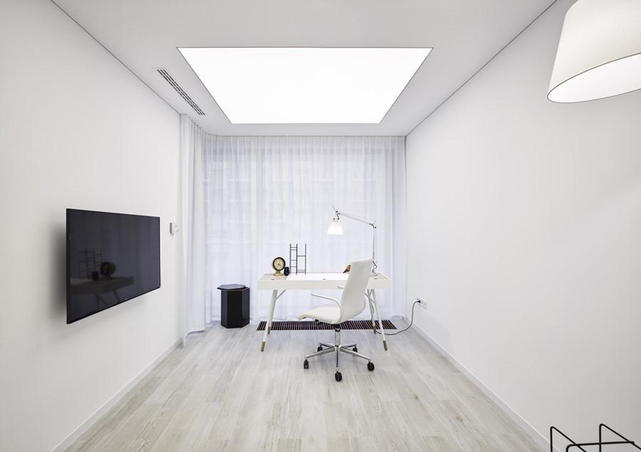 Biały gabinet w minimalistycznym stylu A8 Architektura