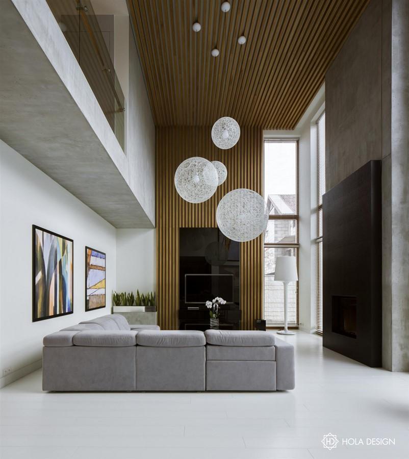 Drewniane panele ścienne w salonie Hola Design - biuro projektowe
